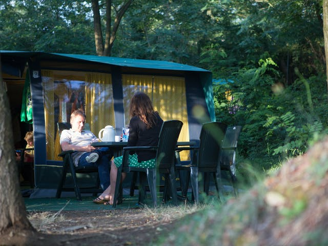 Bungalowtent Blue camping Barco Reale vooraan