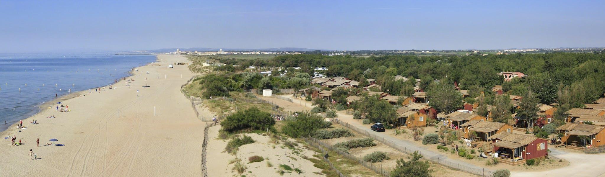 Luchtfoto Strand camping Serignan Plage