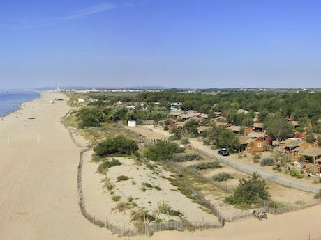 Luchtfoto Strand camping Serignan Plage