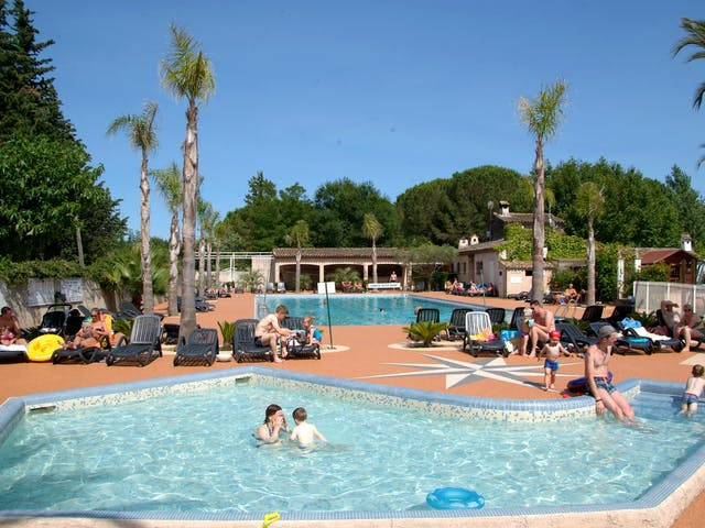Buitenzwembad camping les Pêcheurs