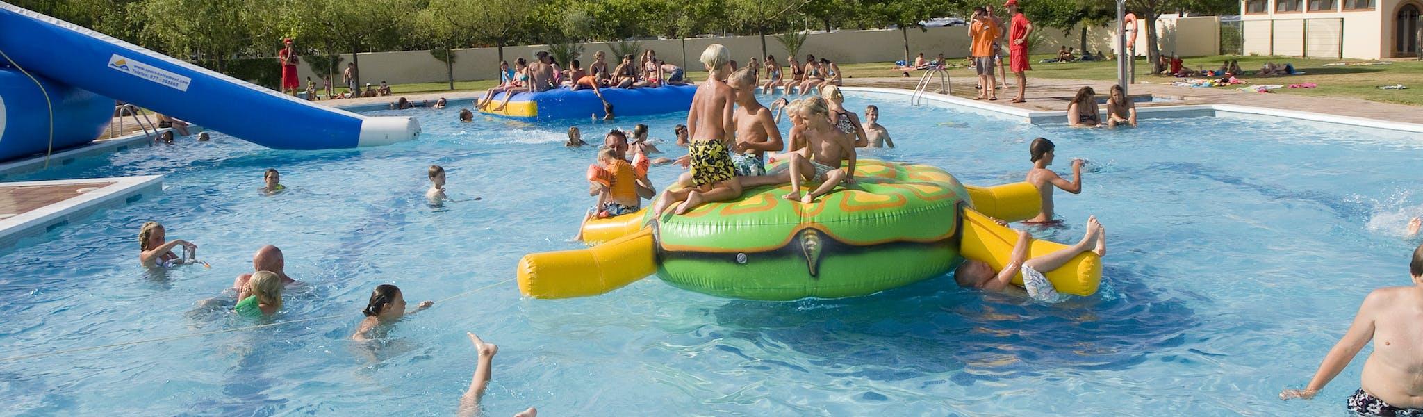 zwembad camping Playa Brava