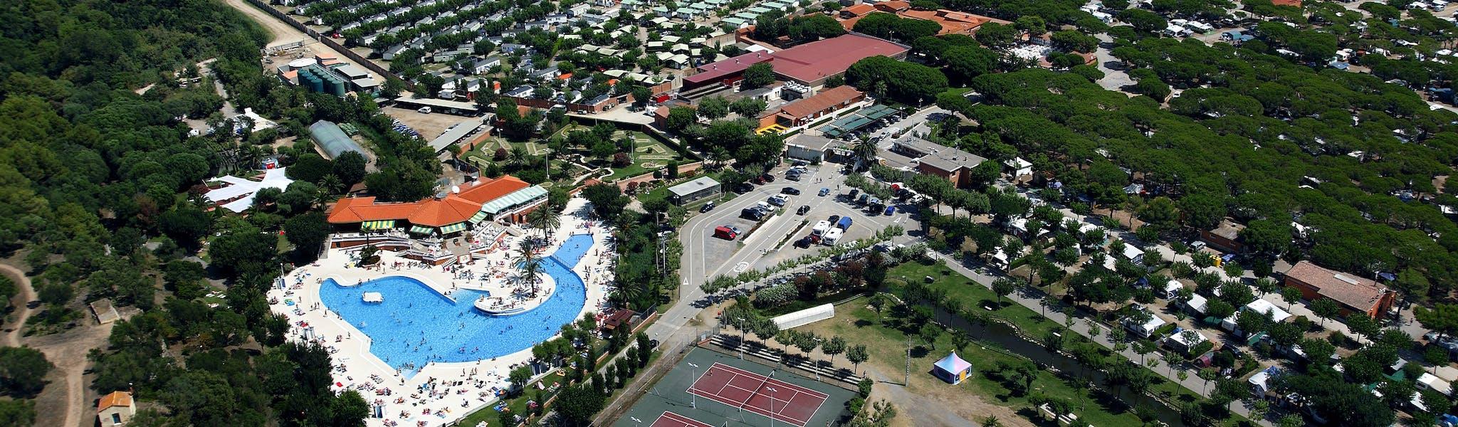 camping El Delfin Verde vanuit lucht