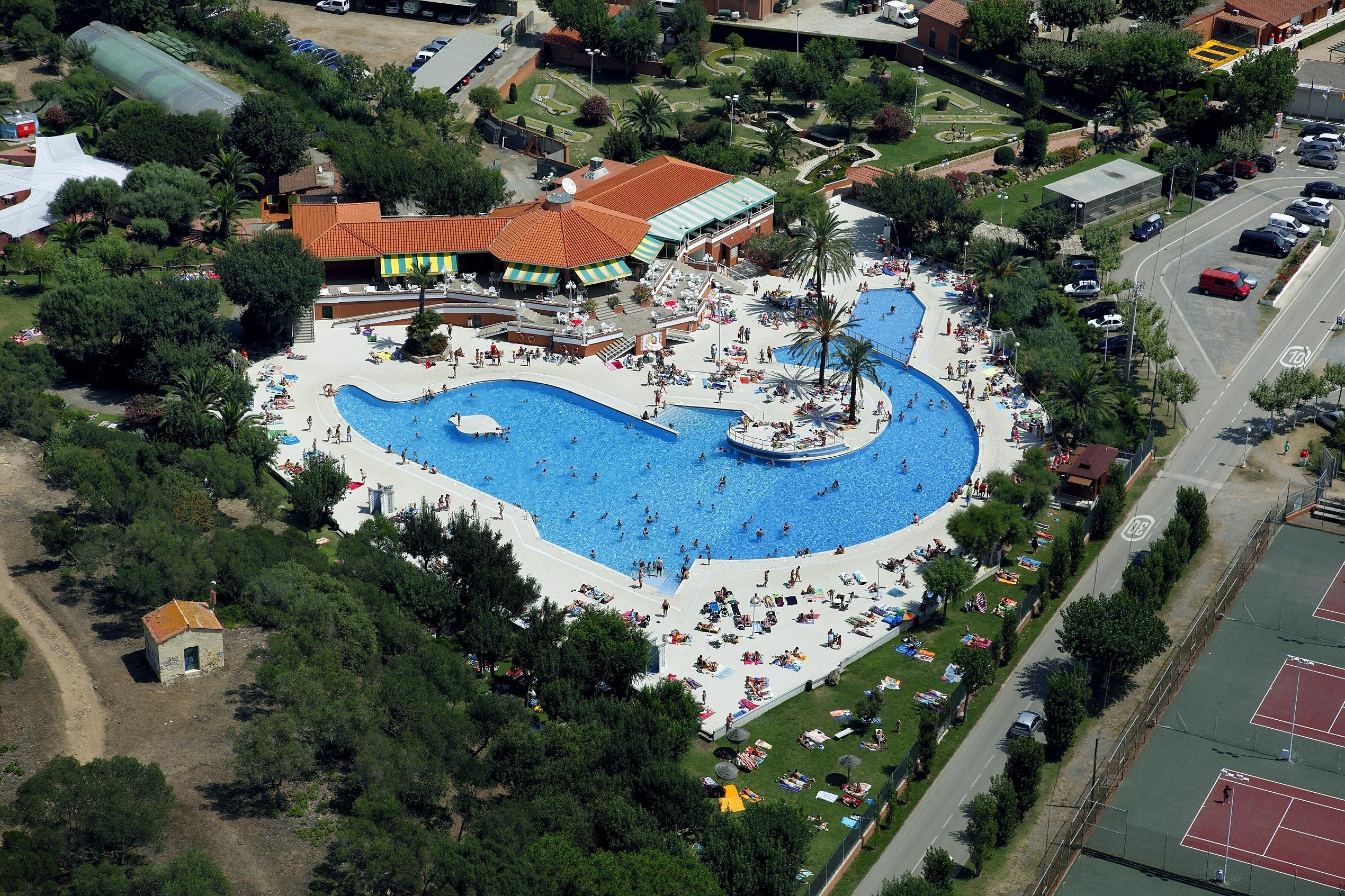 Dolfijn zwembad camping El Delfin Verde