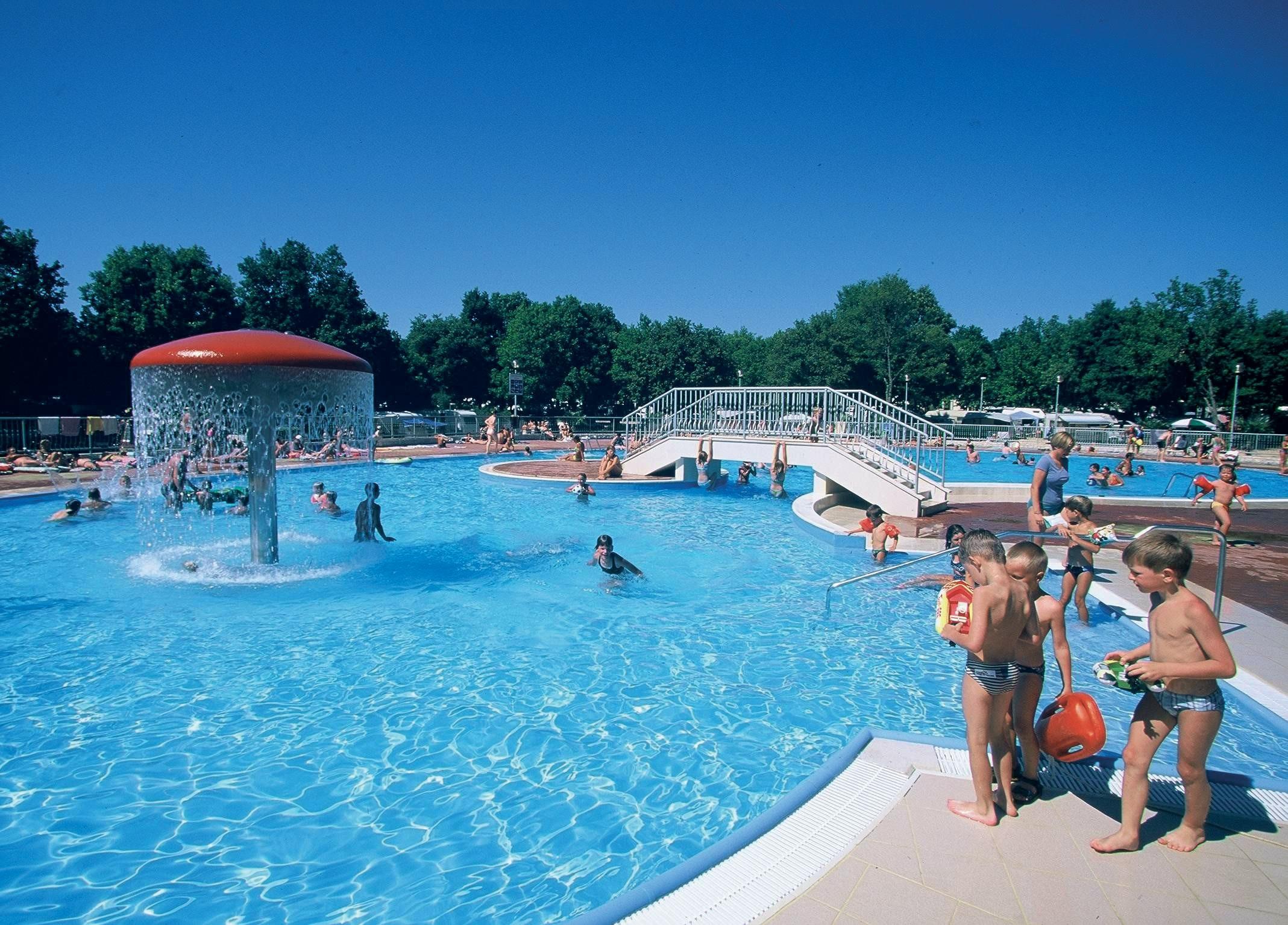 zwembad camping Bijela Uvala