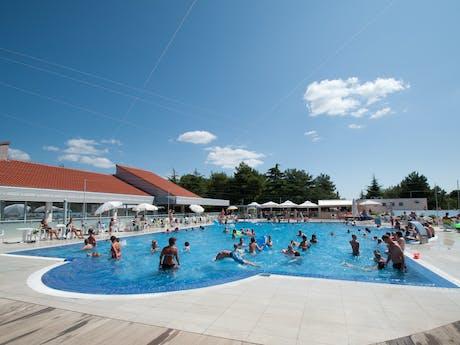 Zwemplezier zwembad camping Porto Sole