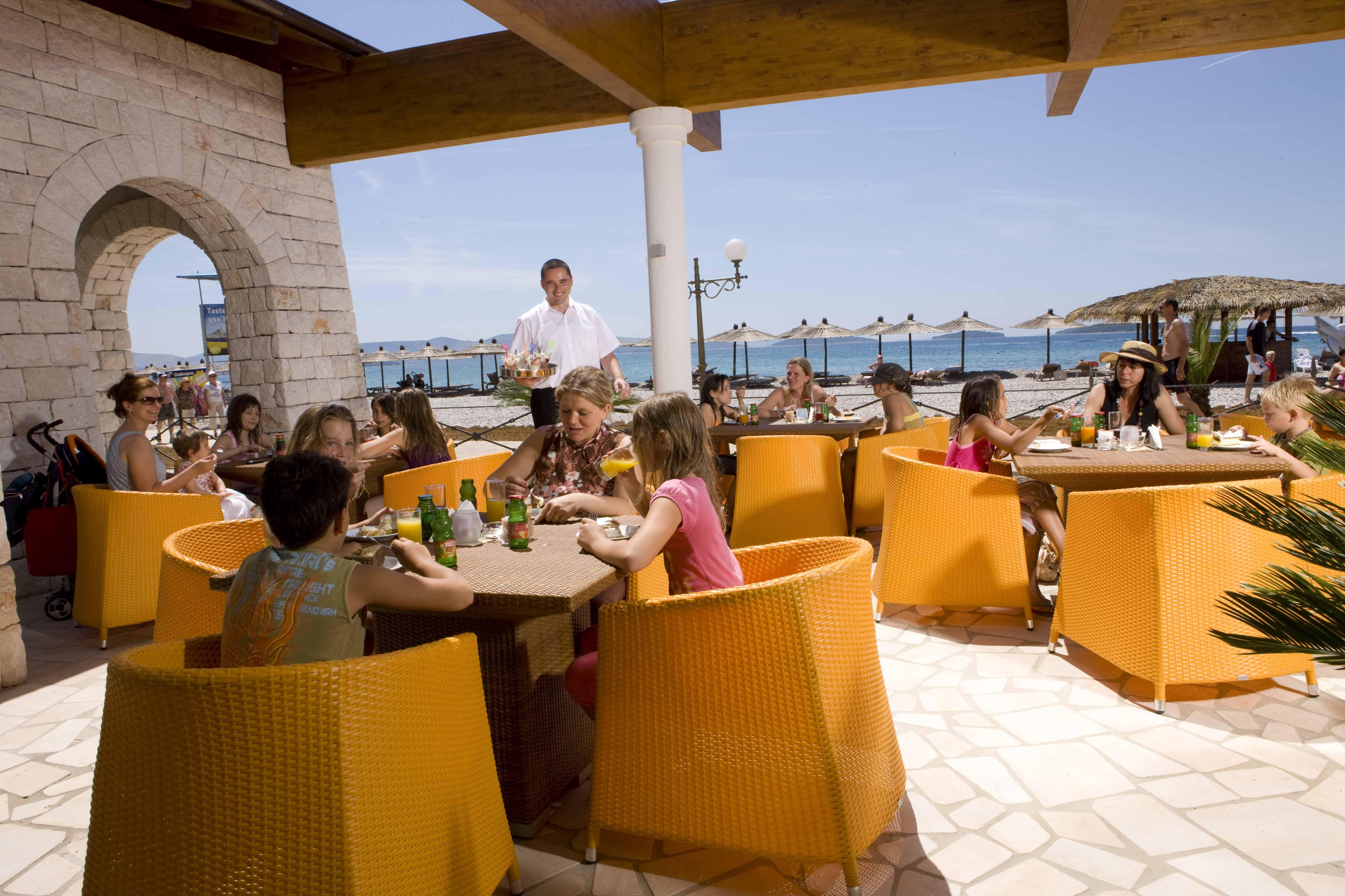 restaurant camping Solaris Beach Resort