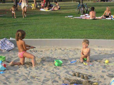 Zandbak bij camping Park Umag