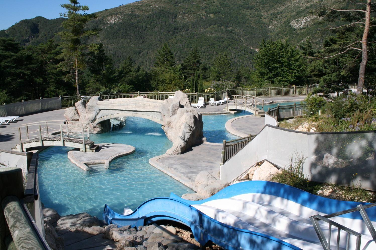 Buitenzwembad Camping Colline de Castellane