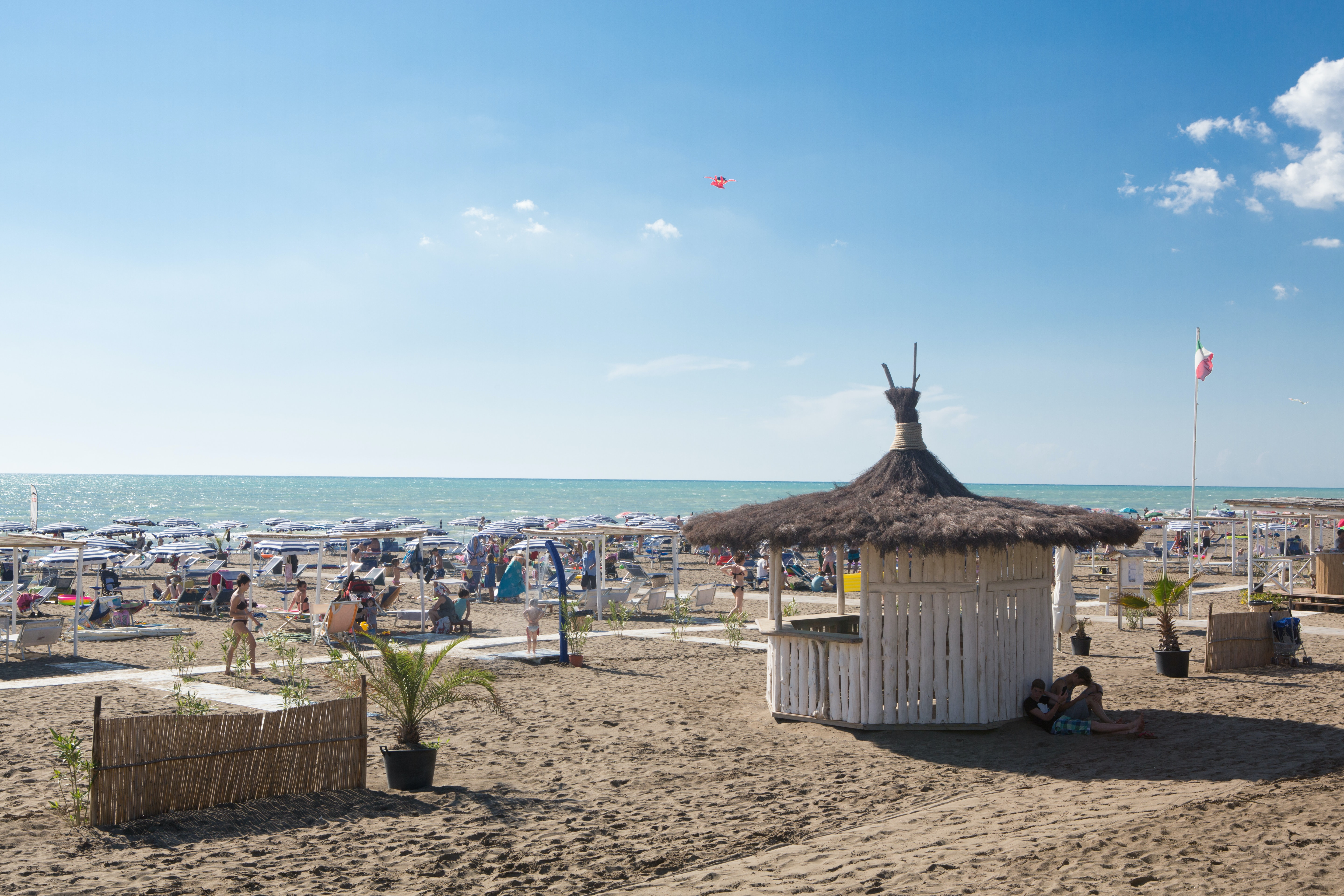 Vol strand bij camping International Etruria