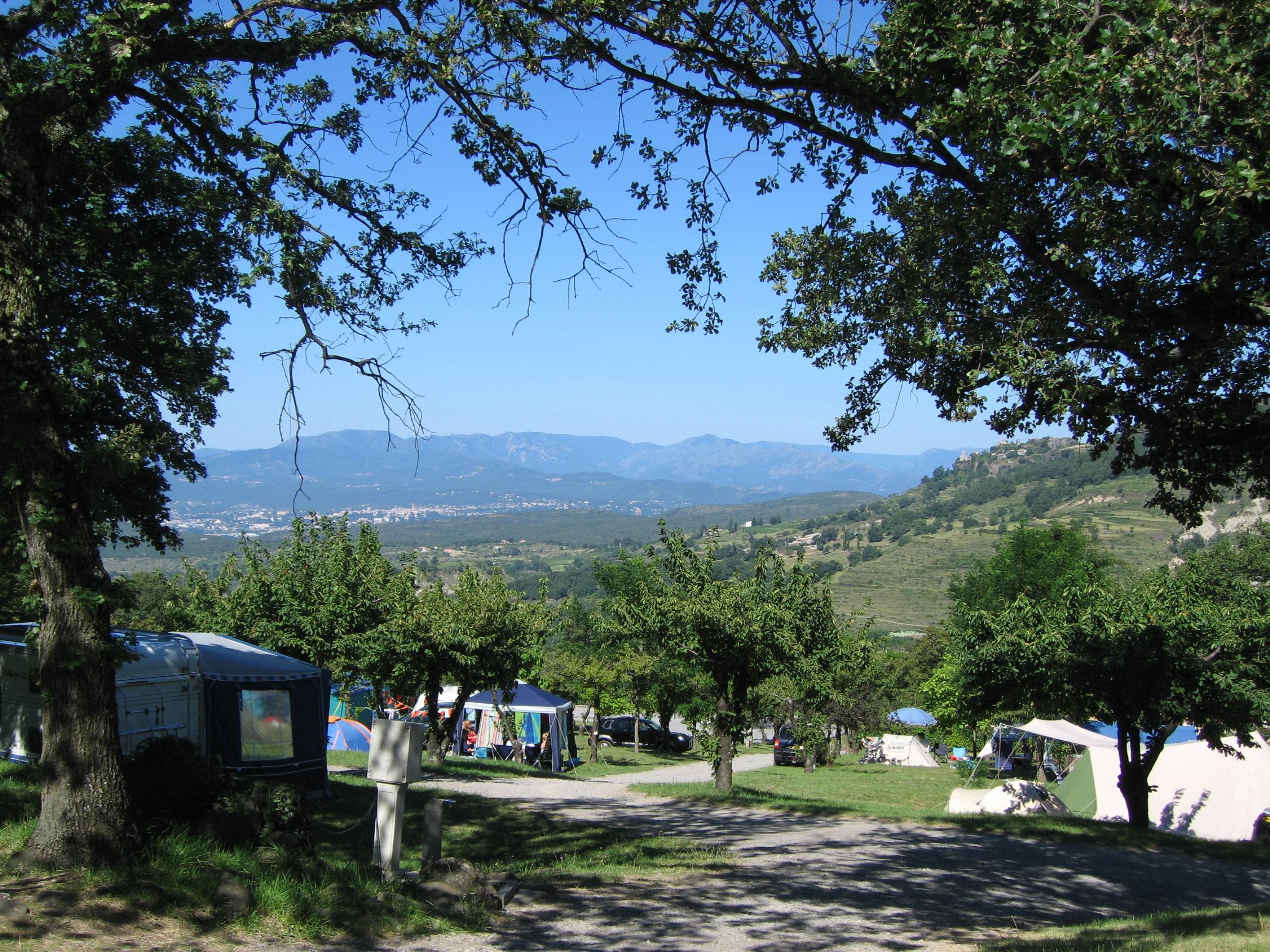 Camping les Charmilles groene omgeving