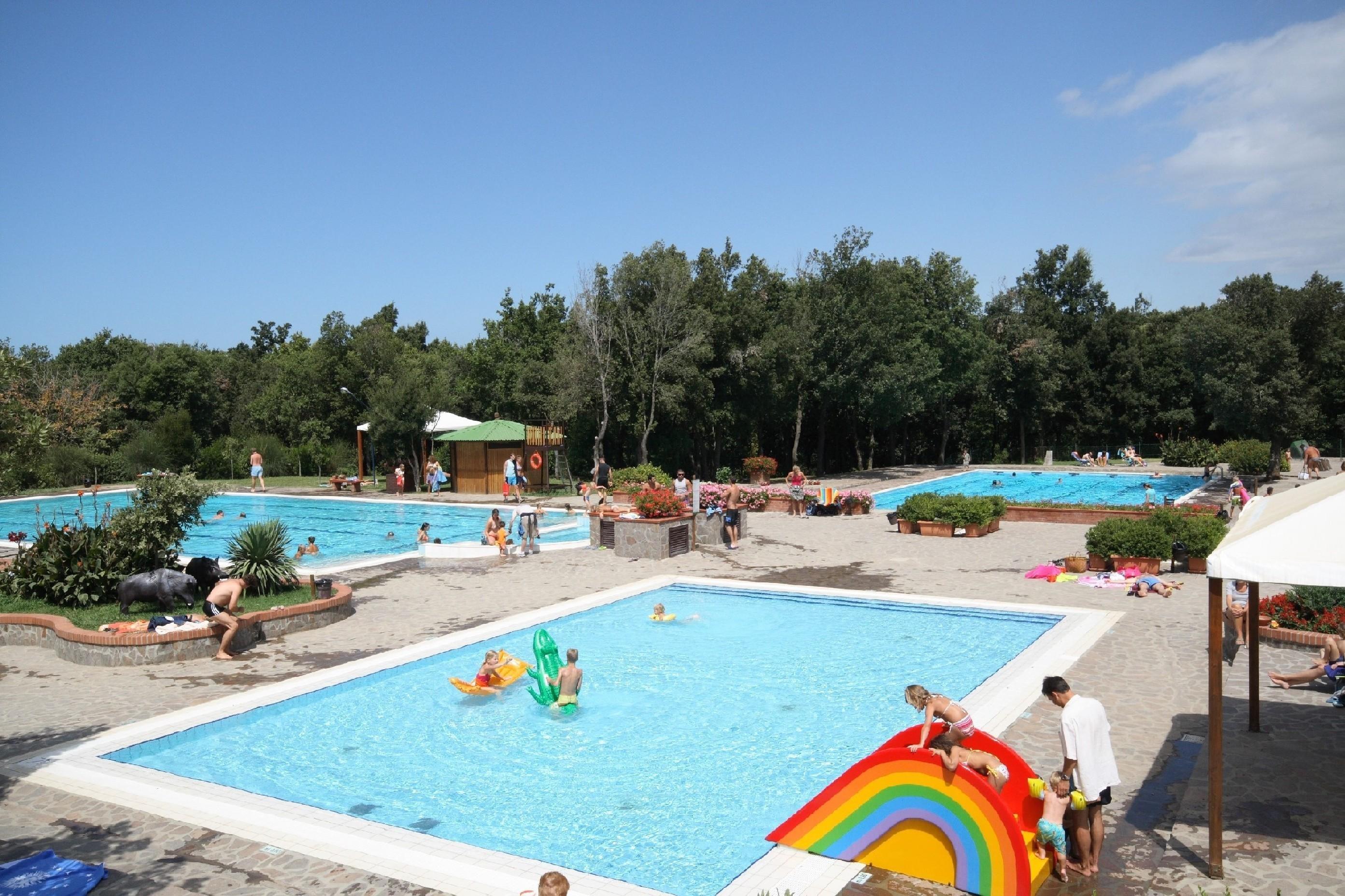 Zwembad camping Montescudaio
