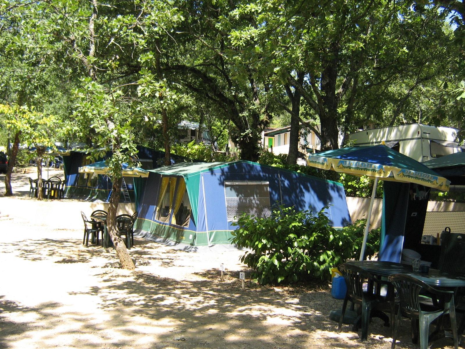 Bungalowtent camping Domaine de Labeiller