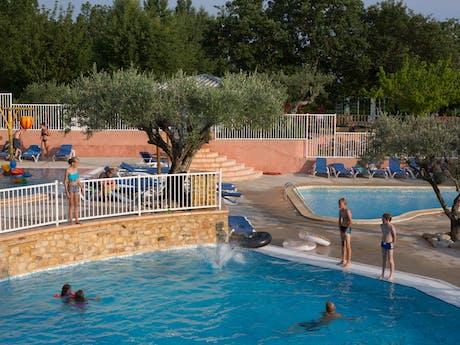 Buitenzwembad Domaine de Labeiller