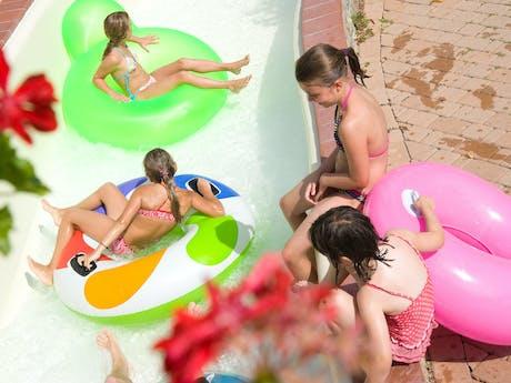 Zwembad camping Norcenni Girasole