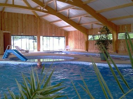 Zwembad op camping Beauregard zijfoto