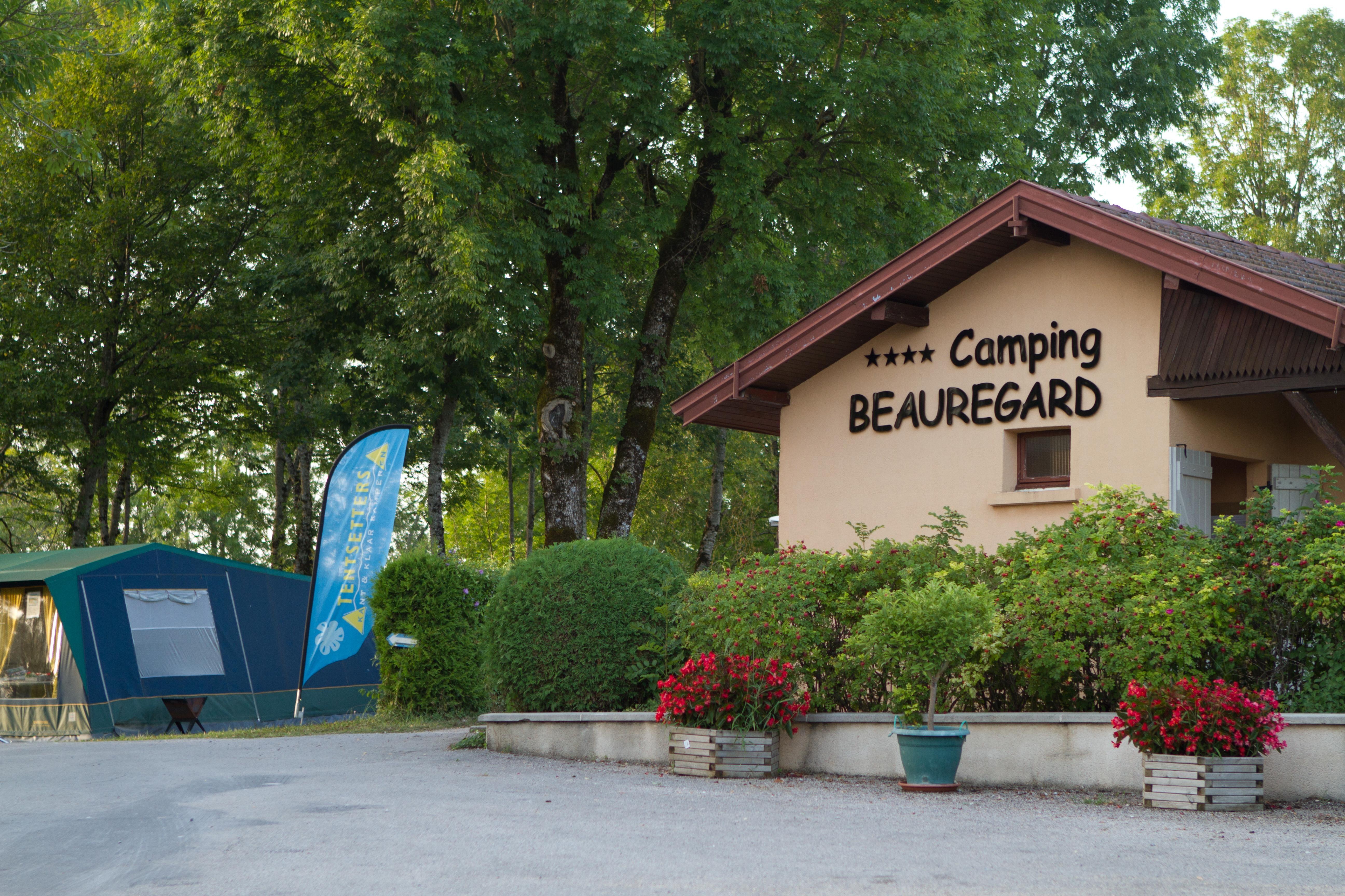 Entree van camping Beauregard