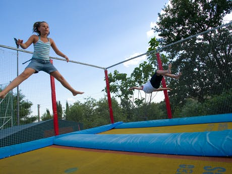 Trampoline Camping I Pini Family Park