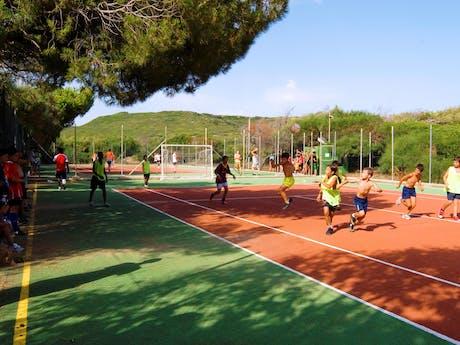Voetbal op camping Bella Sardinia