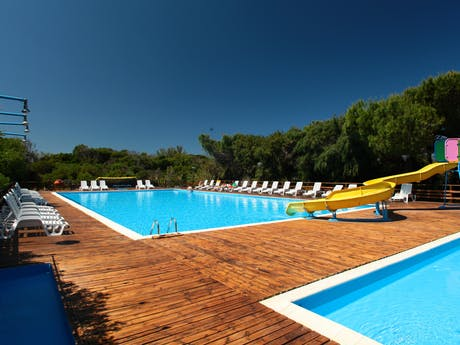 Zwembad op camping Bella Sardinia