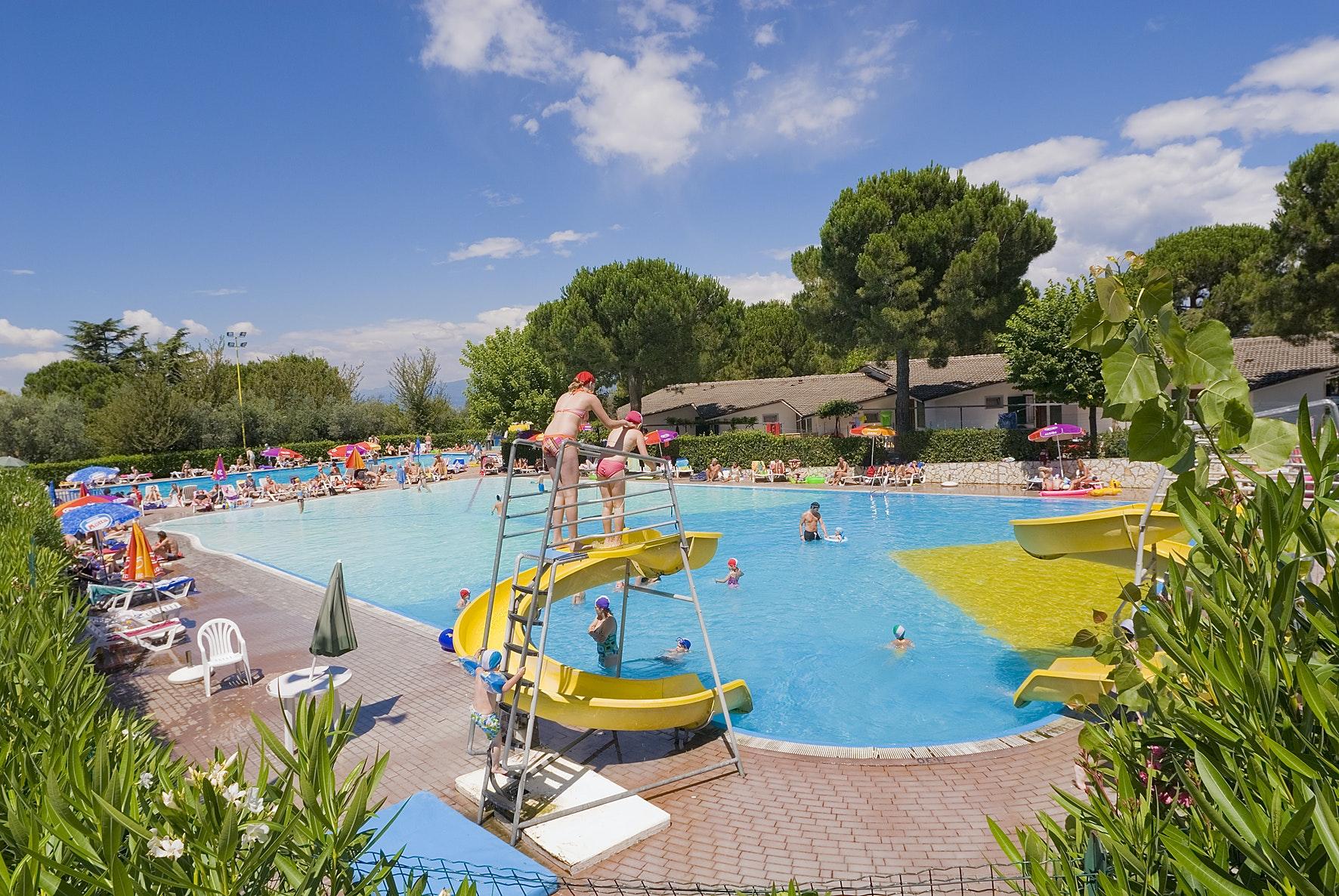 zwembad camping San Vito