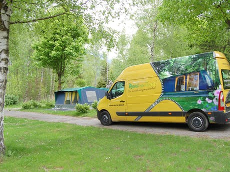 Bus en bungalowtent