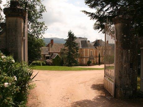 entree camping Château de Montrouant