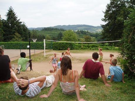 sportveld camping Château de Montrouant