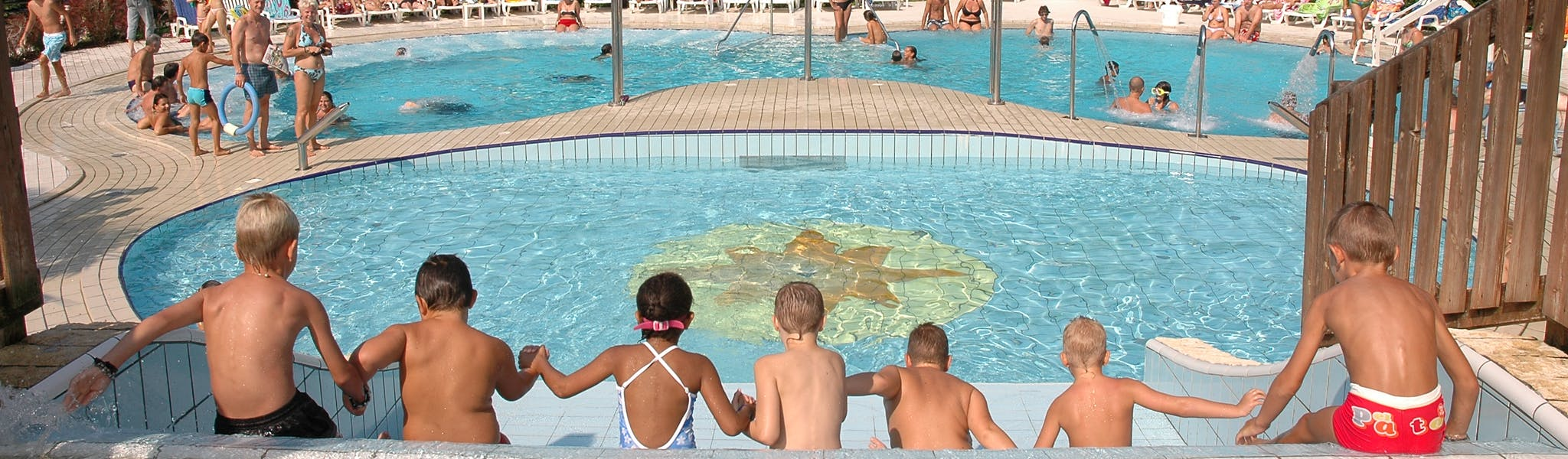 Zwembad camping Sabbiadoro van de glijbaan