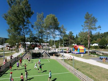 Voetbalveld camping Fayolan