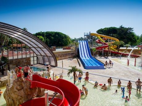 Buitenzwembad en glijbanen la Sirene