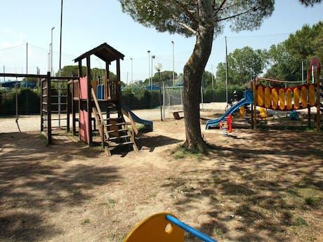 Grote speeltuin camping Baia del Marinaio