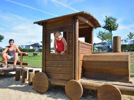 Trein speeltoestel camping Le Pin Parasol