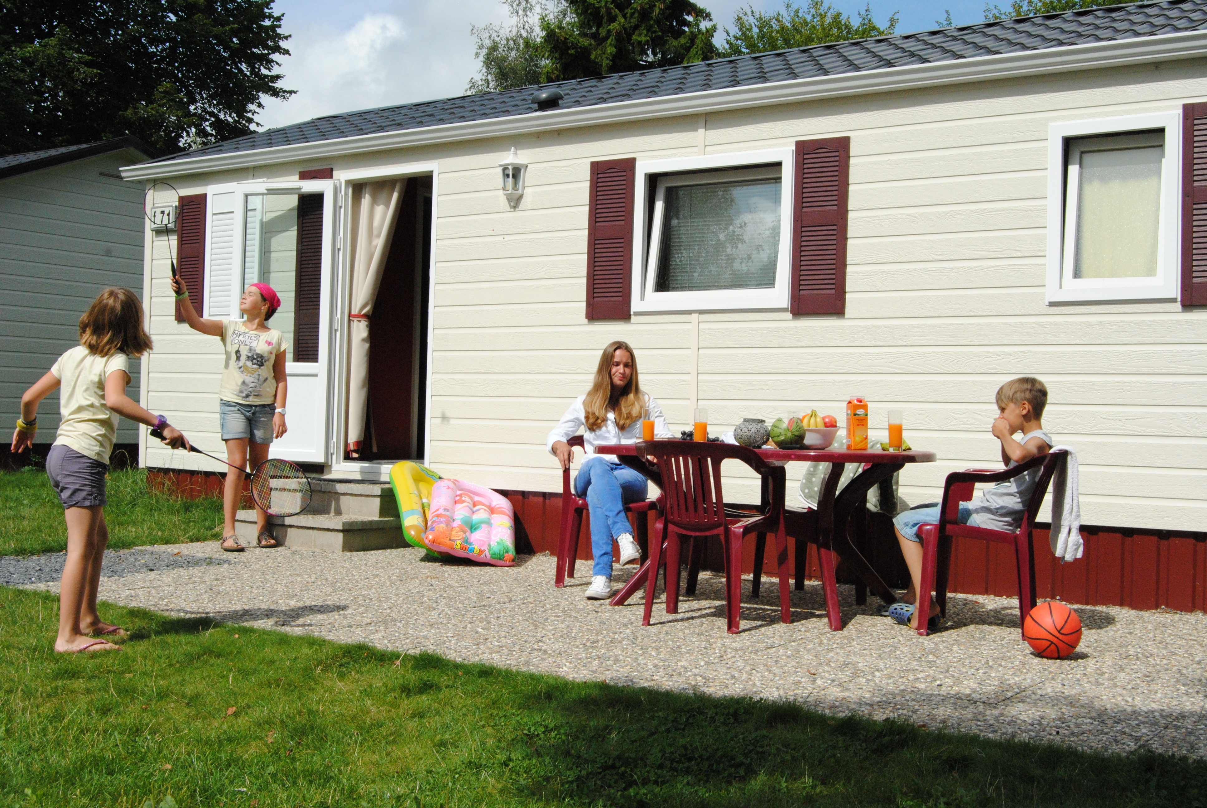 Camping Fuussekaul Luxemburg Bungalowtent of Stacaravan