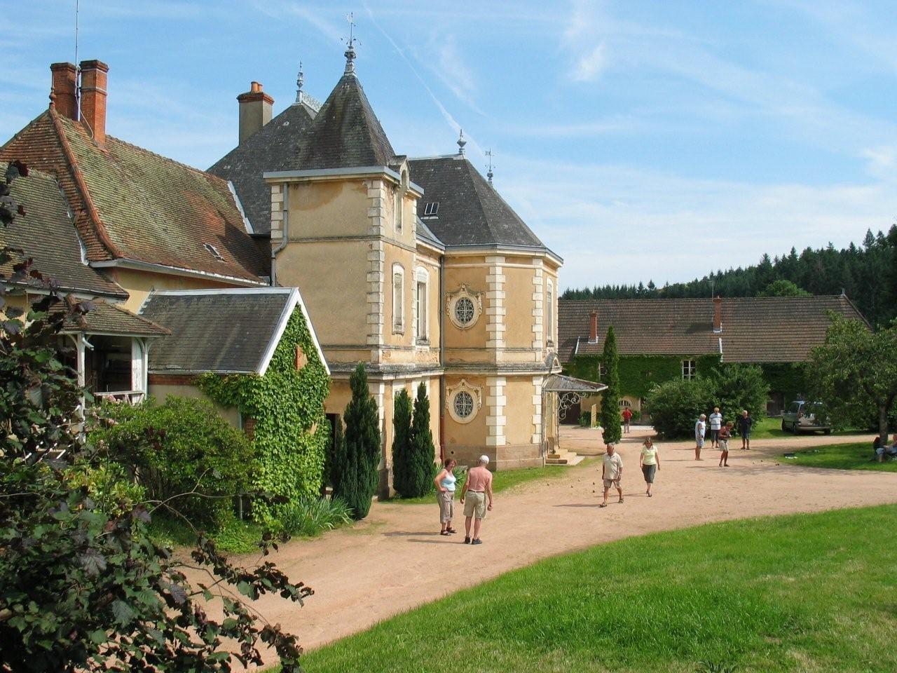 Château de Montroant wandelen in parkje