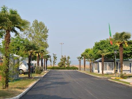 Weg naar het Gardameer camping Tiglio