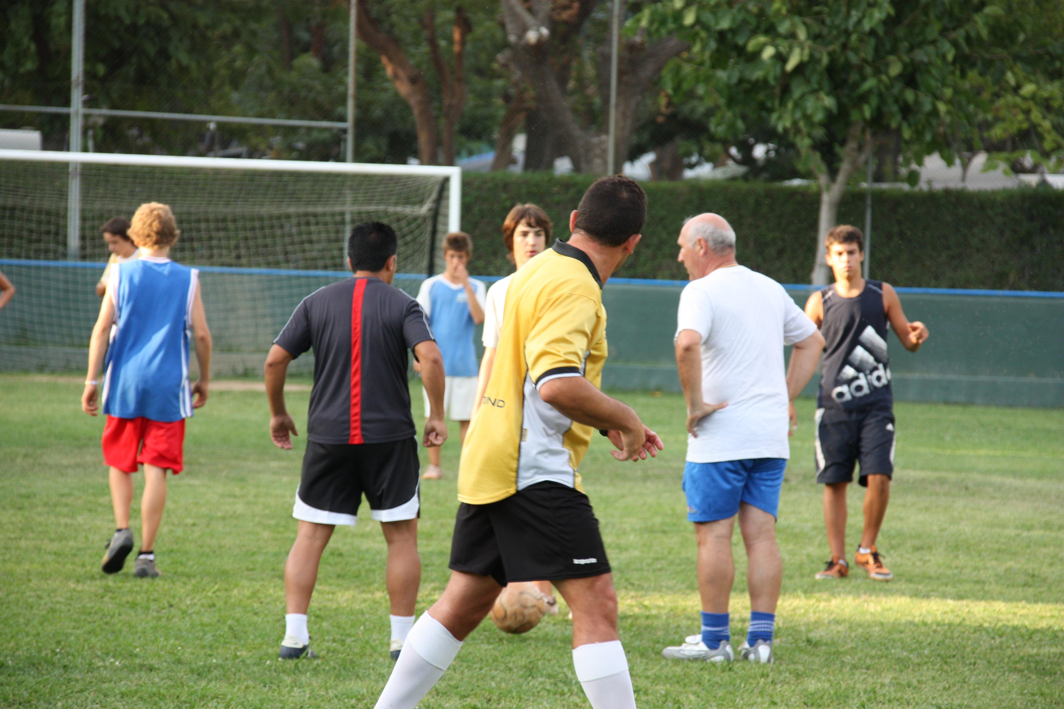Voetballen op camping Valldaro
