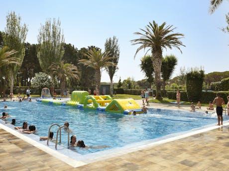 valldaro zwembad met oplaasbaar speeltoestel