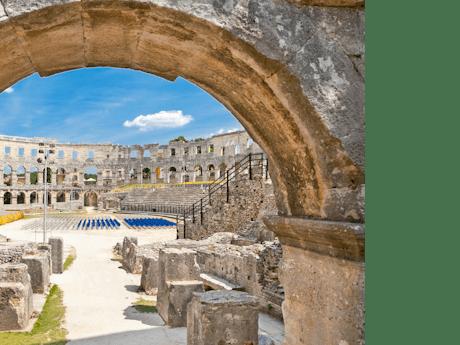 Pula amfitheater Kroatie