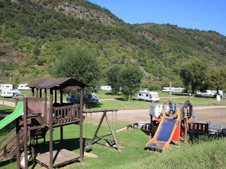 Knaus camping Burgen Mosel speeltuintje