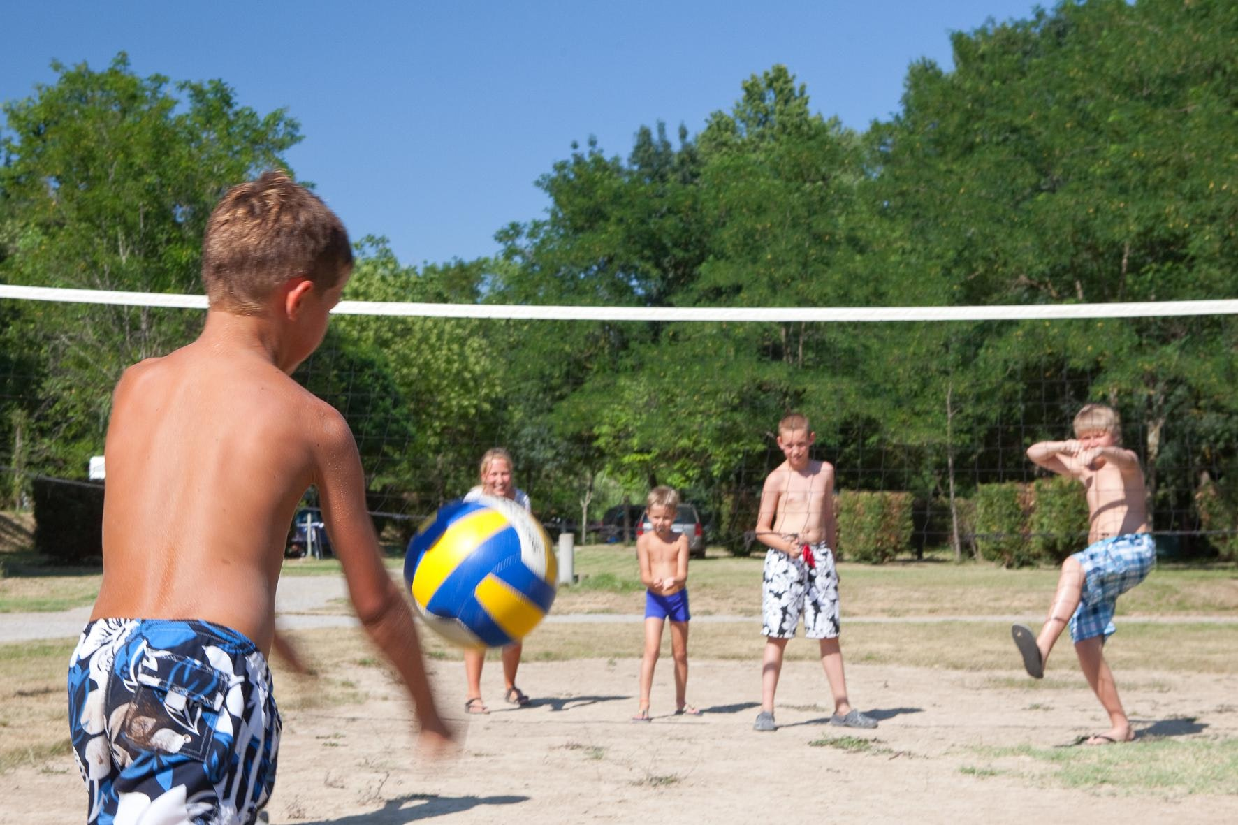 Volleybal Ludo camping