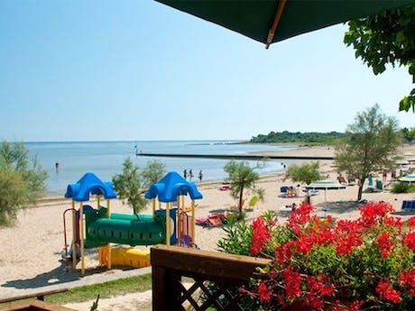 Camping Tenuta Primero strand met speeltuin