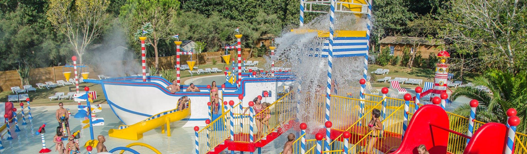 Water speelterrein camping Serignan Plage