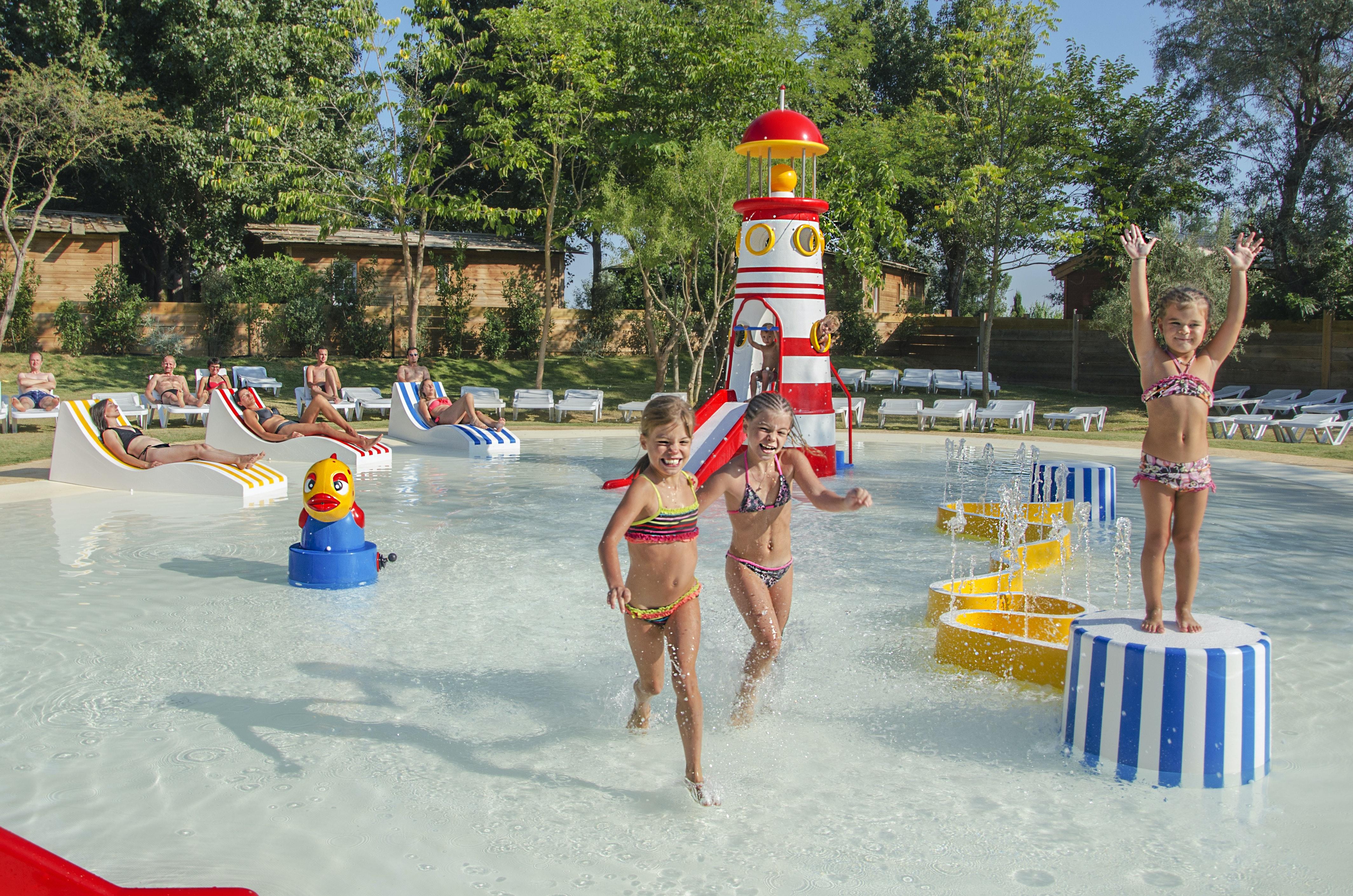 speelterrein zwembad Serignan Plage