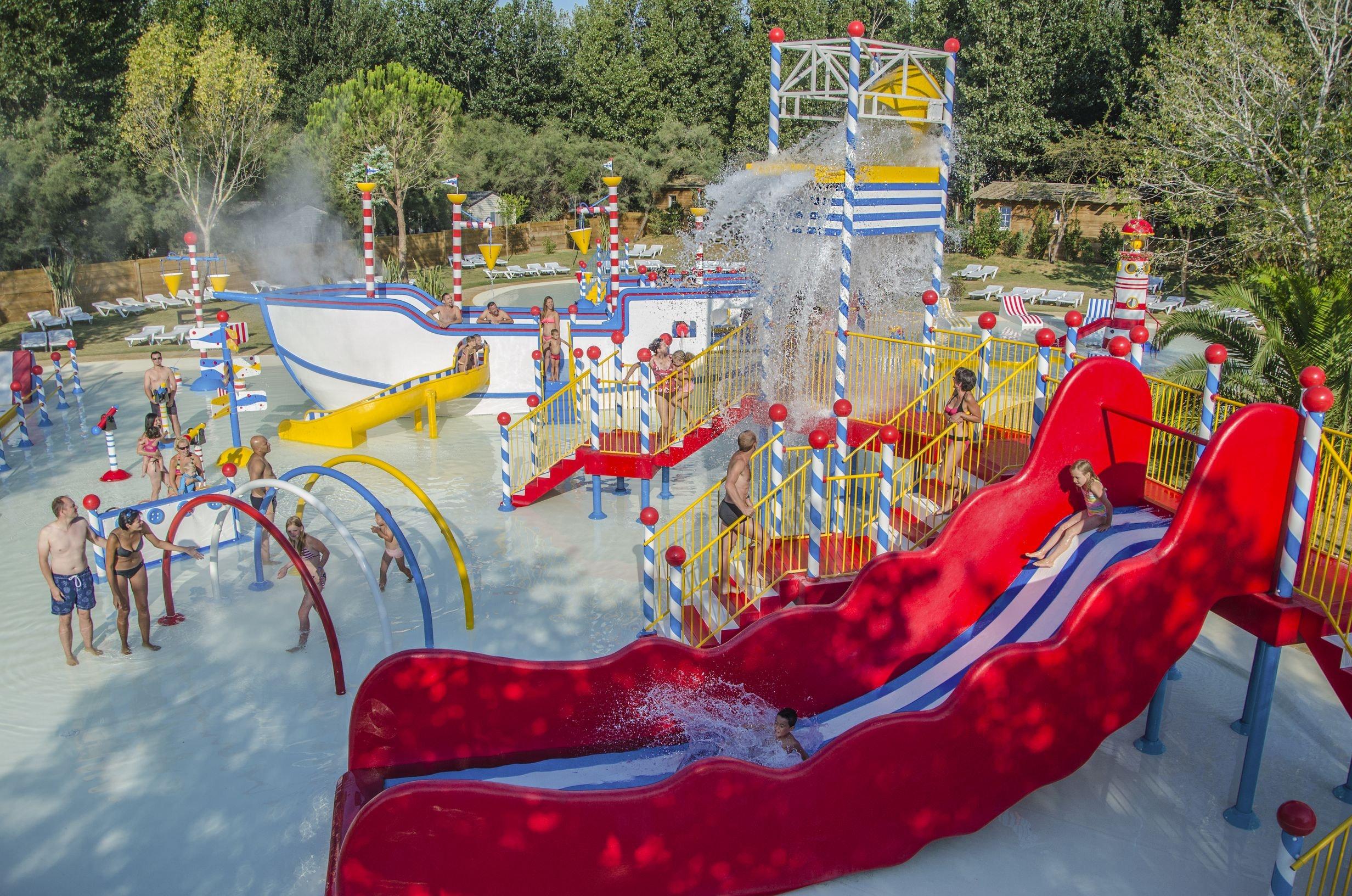 speelplaats water Serignan Plage