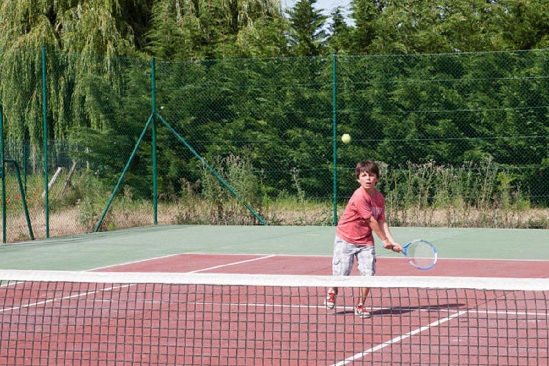 tennisbaan parc des allais