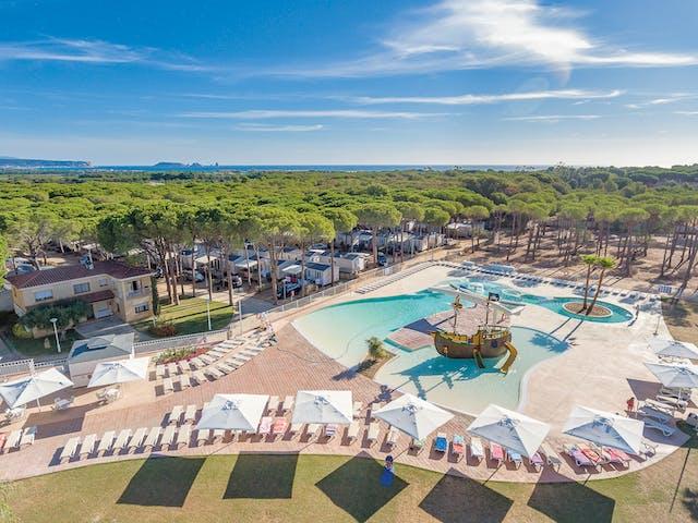 park cypsela zwembad drone foto