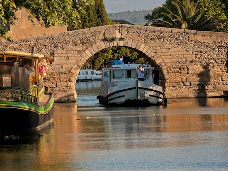 Locaboot vaargebied Camargue