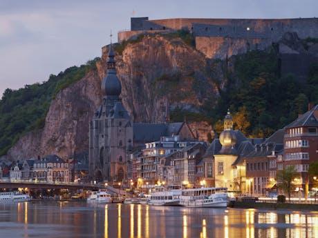 Locaboat Bourgogne et Loire Dinant