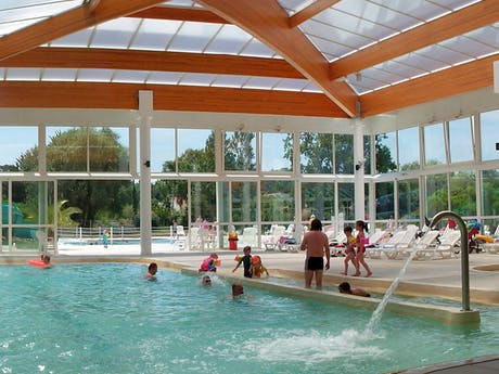 Camping Les Amiaux Binnenzwembad