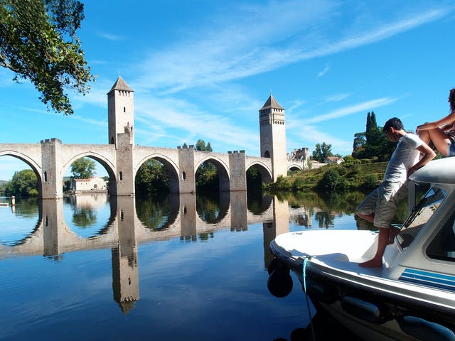pont valentre cahors vaar lot